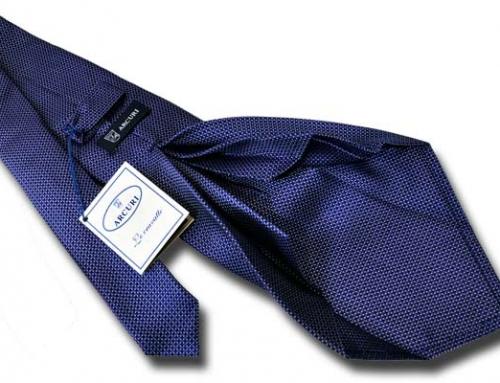 La cravatta sette pieghe